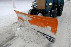 Спецтехніка впродовж усієї ночі розчищала дороги Тернополя від снігу